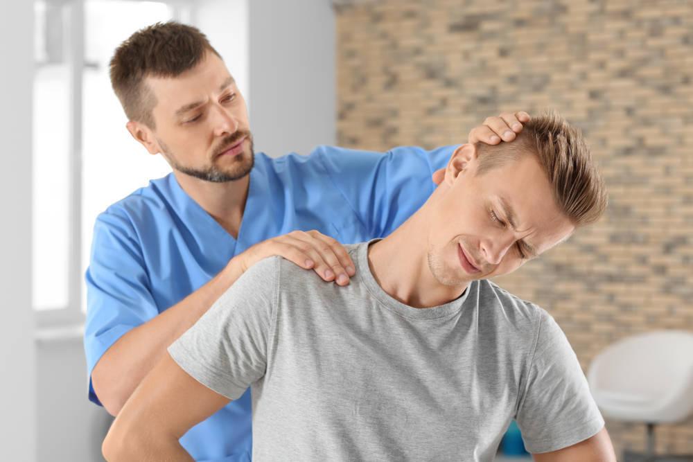 El quiropráctico, la solución a muchos problemas articulares y musculares