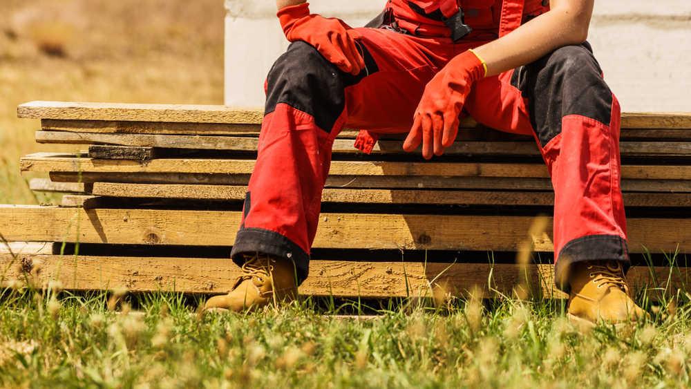 La ropa de trabajo aporta seguridad a los empleados de las fábricas e industrias españolas